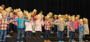 DSC 0150A - PreK4 Singing Dingle, Dangle Scarecrow