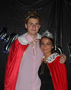IMG 3784A - homecoming king and queen at dance