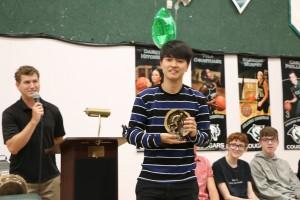 IMG 4995 - Chris Eaton giving soccer award to Justin Choi