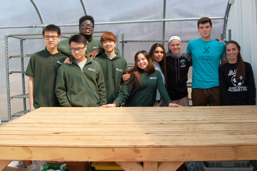 Horticulture Woodworking High School Classes Team Up In